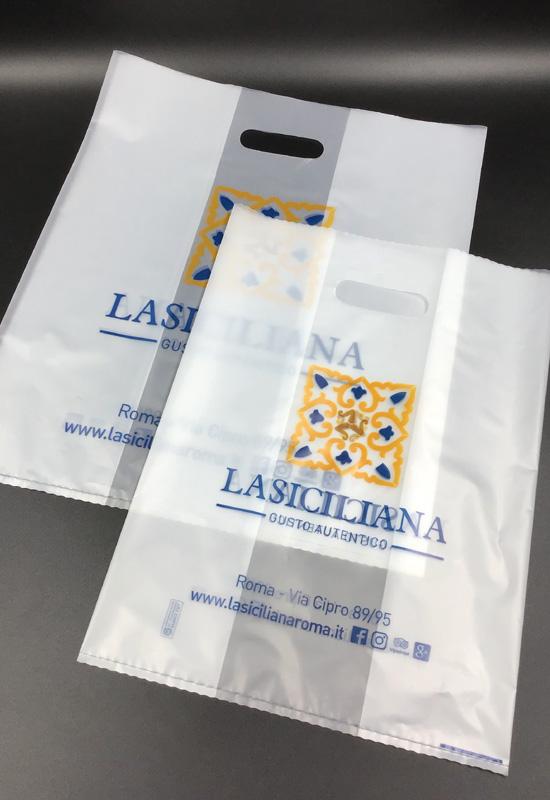 shopper personalizzate plastica opaca semitrasparente opaline stampa flessografica flexo maniglia fustellata fagiolo rifipack